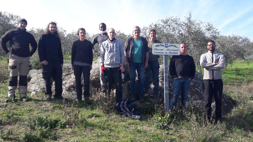 Photo de l'équipe 2020-21 à l'Oliveraie Clavary à Pégomas